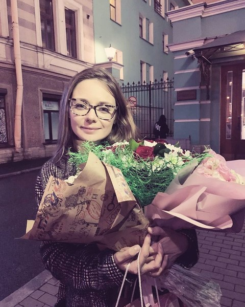 Карина после спектакля
