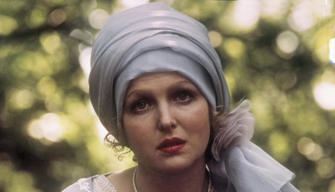 Как выглядит сегодня звезда фильма «Раба любви» Елена Соловей?