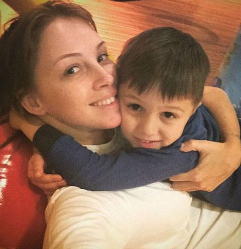 Полина Диброва и ее первенец, сын Саша