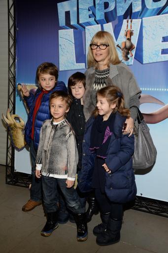 Вера Глаголева обожала проводить время с детьми и внуками