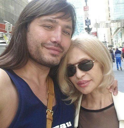 Рустам Солнцев с мамой Валентиной Семеновной