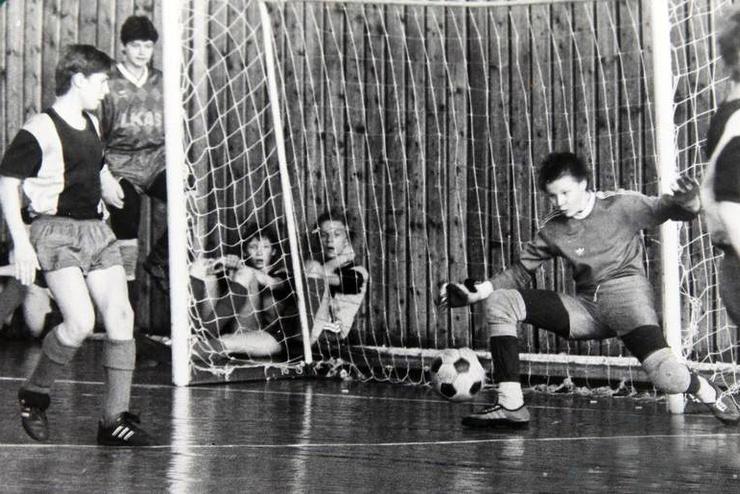 Отец отдал Вячеслава в футбольную секцию