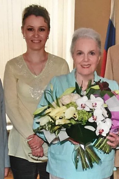Ксения несколько лет помогала Элине Авраамовне