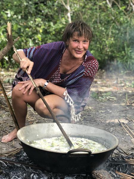 Актриса принимала участие в реалити-шоу, которое снимали на необитаемом острове