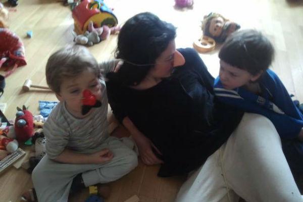 У режиссера подрастают двое детей