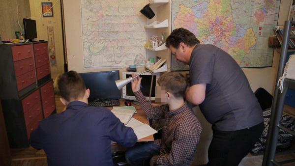 Михаил Дель утверждает, что не поднимал руку на детей
