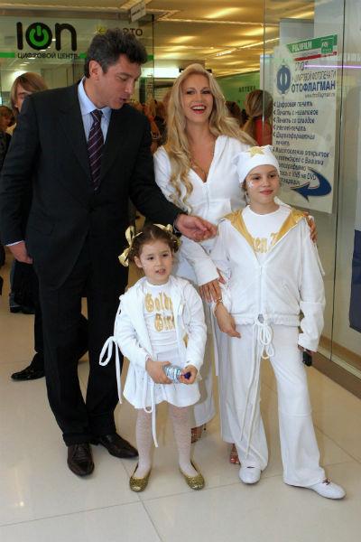 Борис Немцов всегда поддерживал близкие отношения с детьми