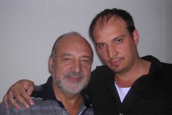 Вокалу певца обучал отец, народный артист России Анатолий Сафиулин