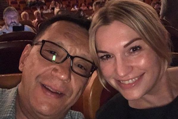 Сейчас режиссер живет в браке с Марией Леоновой