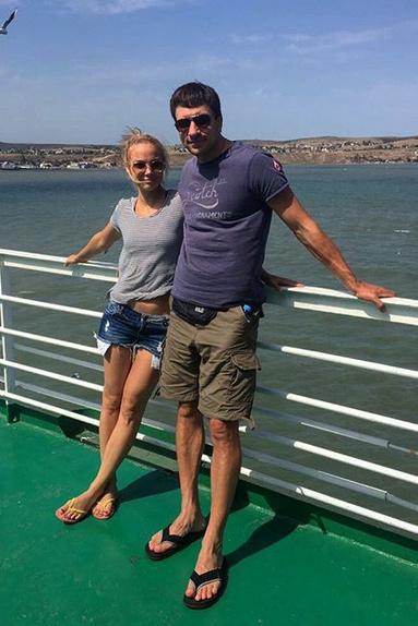 К последующему роману экс-избранника с Татьяной Арнтгольц Такшина отнеслась спокойно