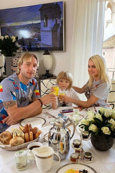 Евгений Плющенко счастлив в браке с Яной Рудковской