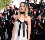 Канны-2019: Марго Робби в наряде из пайеток на премьере «Однажды в Голливуде» Квентина Тарантино