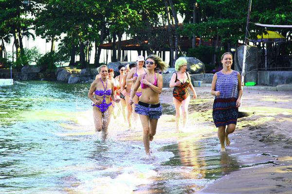 В Таиланде мы начинали утро с пробежки. А как вы встречаете день в своем родном городе?