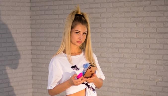 Первые фото со съемок нового клипа звезды «ДОМа-2» Марго Овсянниковой
