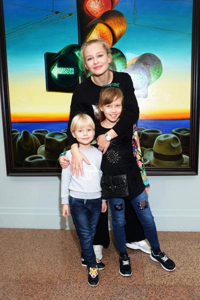 Юлия Пересильд растит двух дочерей от Алексея Учителя