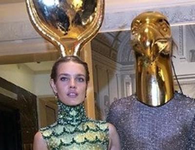 Лучшие наряды на Хэллоуин: какие костюмы выбрали Наталья Водянова, Александр Овечкин и другие звезды