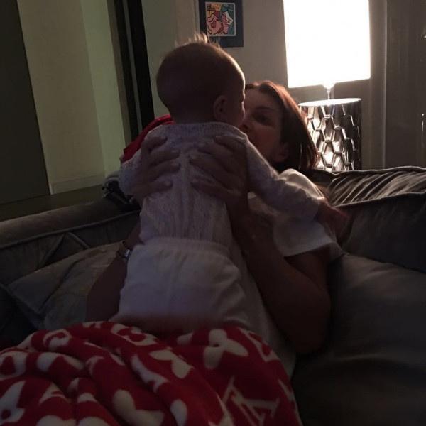 Алиса с младшей дочкой Есеней