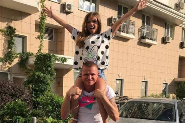 Тарасов с дочерью от первого брака Ангелиной