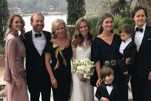 Мать невесты Шерон Буш счастлива за дочь