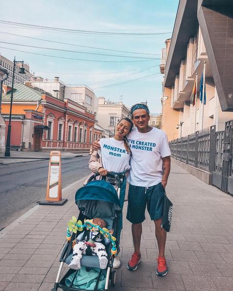 Регина Тодоренко и Влад Топалов с сыном