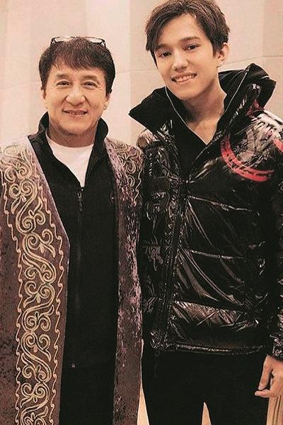 Джеки Чан был покорен мощным голосом молодого казаха