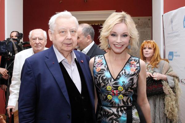 Роман Табакова и Зудиной начался еще в конце 80-х, но официально они поженились только в 1995 году