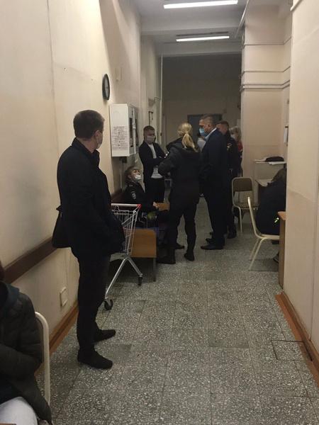Алексей Навальный кричал от боли в самолете — видео