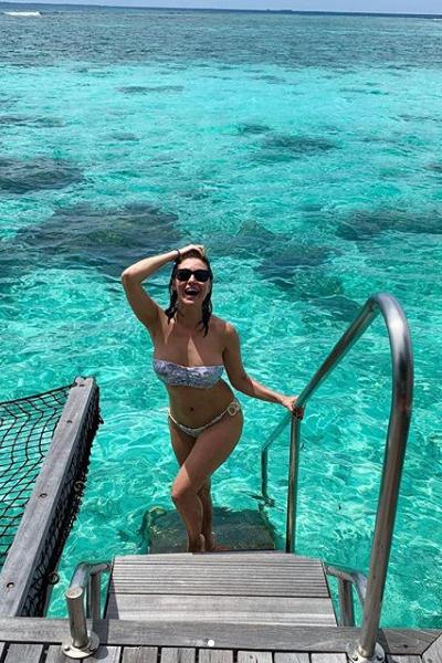 В концВ конце марта Анастасия с мужем отдохнула на Мальдивахе марта Анастасия с мужем отдохнула на Мальдивах