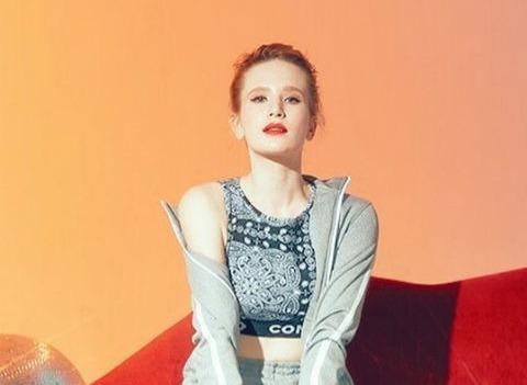 Кто такая Монеточка: феноменальная популярность певицы из Екатеринбурга
