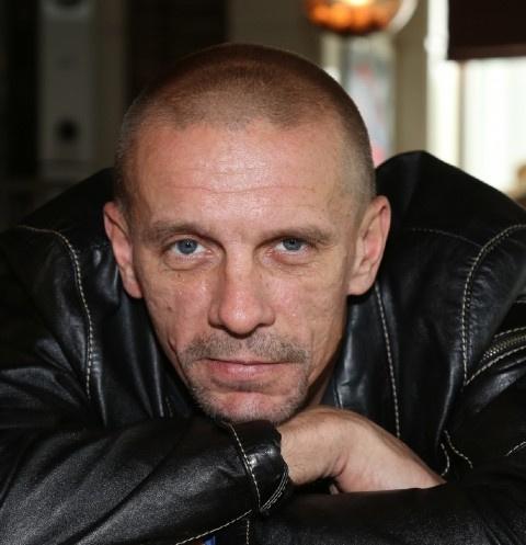 Звезда фильма «Ворошиловский стрелок» Алексей Шевченков полтора года скрывал третьего ребенка