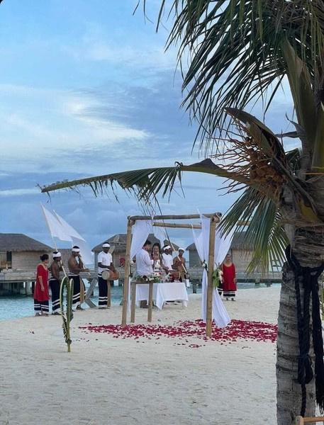 Вскоре после свадьбы на Мальдивах Бузова и Дава расстались