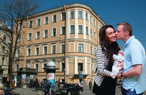 Екатерина и Вячеслав Малафеевы с сыном Алексом. Роддом на Фурштатской в Санкт-Петербурге