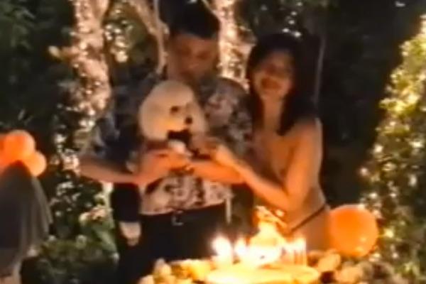 Маха Вачиралонгкорн с супругой на праздновании дня рождения Фу-Фу в 2009 году