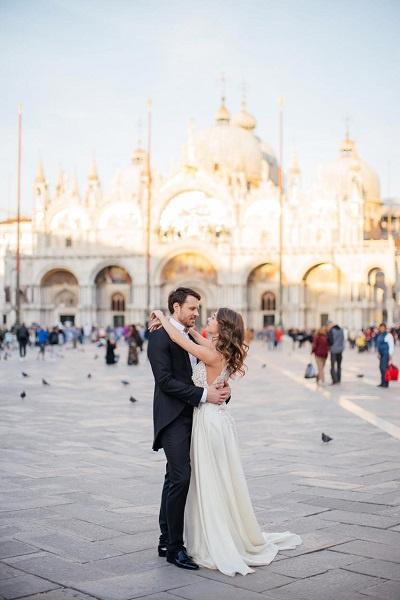 Евгений Пронин и Кристина Арустамова снялись на фоне главных достопримечательностей Венеции