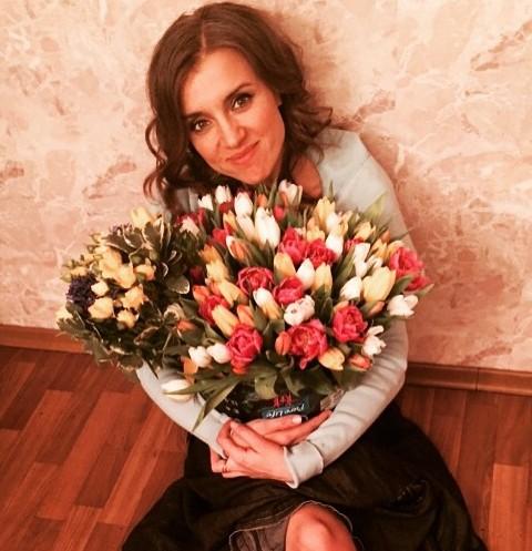 Ксения Алферова обнажилась на отдыхе