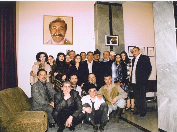 В театре, созданном Мкртчяном работали многие его друзья и родственники