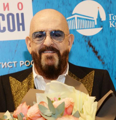Михаил Шуфутинский опроверг свадьбу с возлюбленной