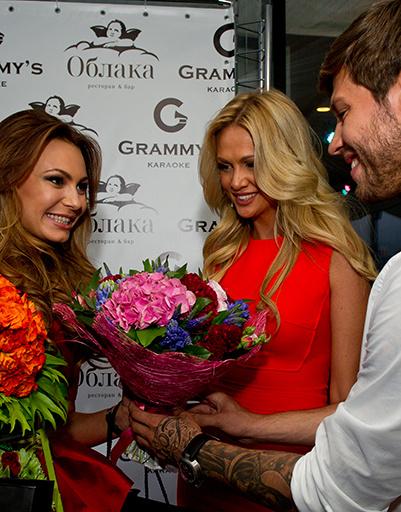 Поздравление от Виктории Лопыревой и Федора Смолова