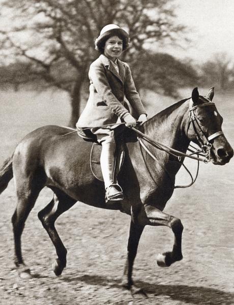 Принцесса Елизавета Александра Мария с детства обожала лошадей