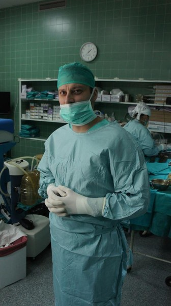 Пока он еще мог стоять у операционного стола, не бросал дело, которому посвятил жизнь