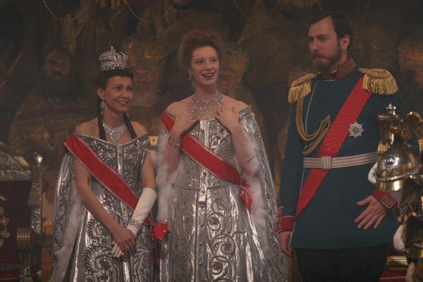 Луиза Вольфрам (Александра Федоровна), Ингеборга Дапкунайте (Мария Федоровна) и Ларс Айдингер (Николай II)