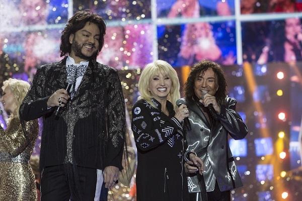 Ирина Аллегрова с коллегами по сцене