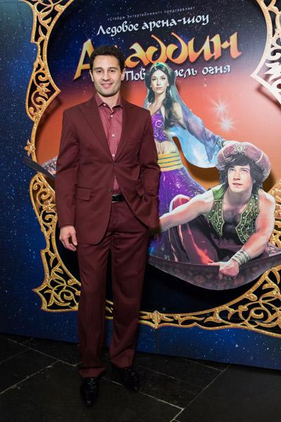 Антон Макарский на премьере шоу «Алладин и Повелитель огня»