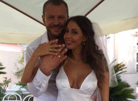 Елена Беркова обвенчалась с супругом на Кипре