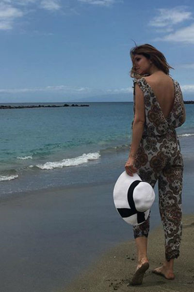 Анастасия Макеева отдыхает на океане после развода