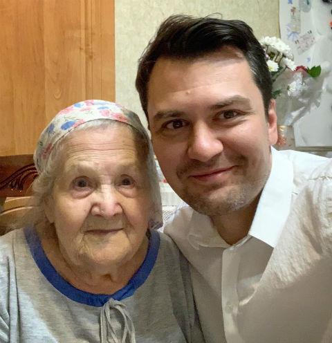 В оформлении страницы Алевтине Николаевне помогает внук Константин