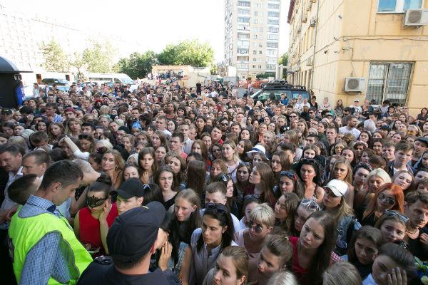 С раннего утра кастинга ждали тысячи молодых людей