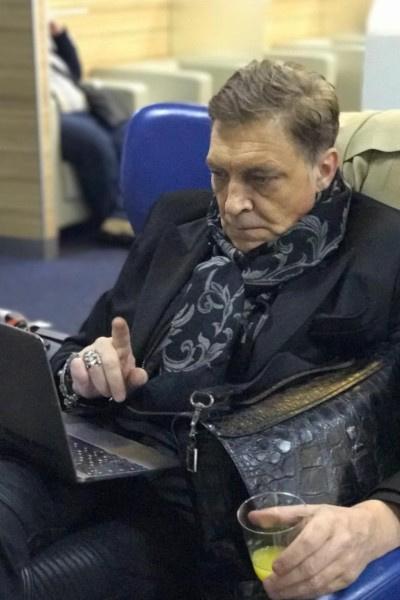 Александру Невзорову нелегко было найти женщину, которая бы смирилась с его постоянной занятостью на работе