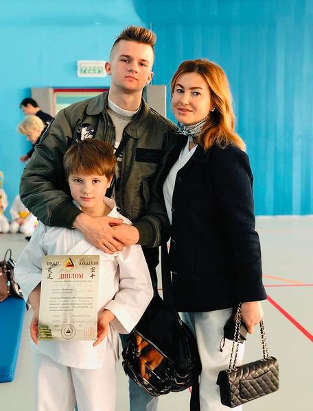 Алексей и его жена Галина гордятся сыновьями