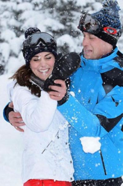 Кейт Миддлтон и принц Уильям наслаждаются зимним отдыхом в Альпах  резвятся